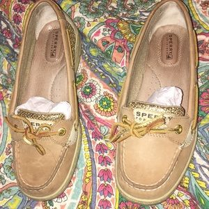 Sperry boat shoes size seven